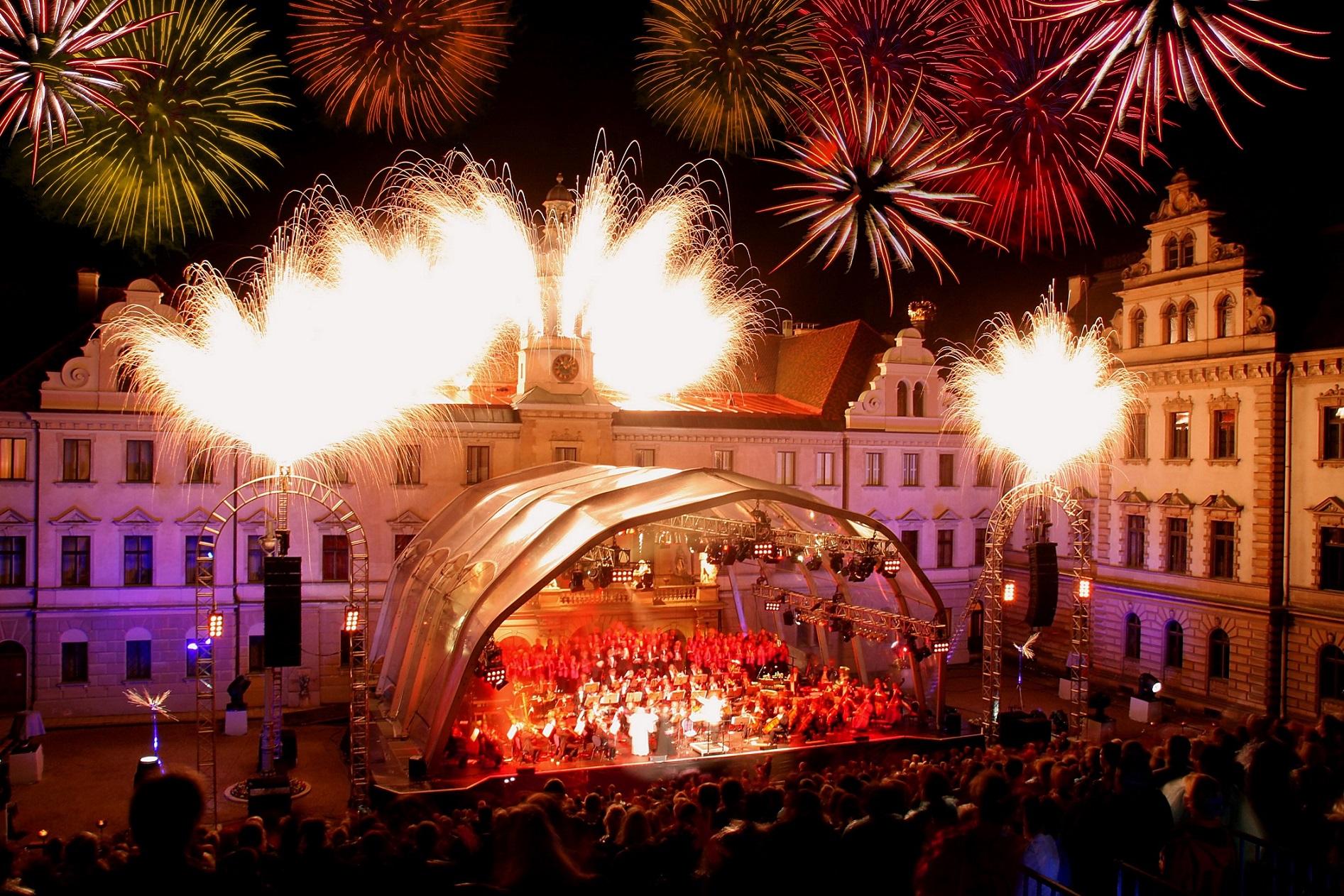hotel_bad_abbach_ausflugsziel_regensburg_schlossfestspiele_odeon_concert